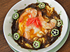 モズクたっぷり!爽やかなモズクあんかけ海老たま丼&スープの写真